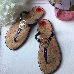 NEW Michael Kors Thong Sandals 6